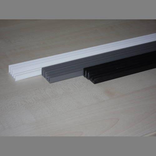 Glasführungsprofil schwarz 6 mm - 100 cm unten